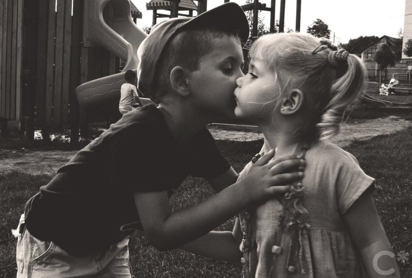 kiss_ii___love_is_in_the_air_by_neocodrin-d3c1ciy