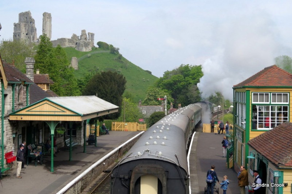 Friday Fictioneers: The FatController